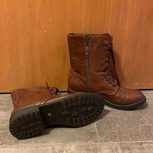 NWOT Brown Combat Boots Women's 7.5